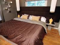 bedroom-brown-hg7