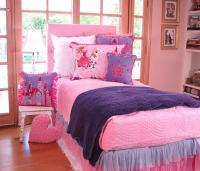 kitty-bedroom10