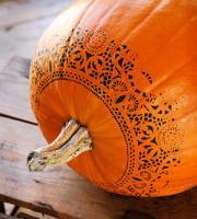 pumpkin-decor-stenciling1
