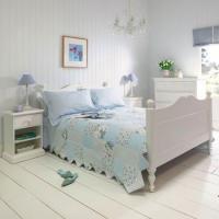 stripe-in-bedroom-soft2