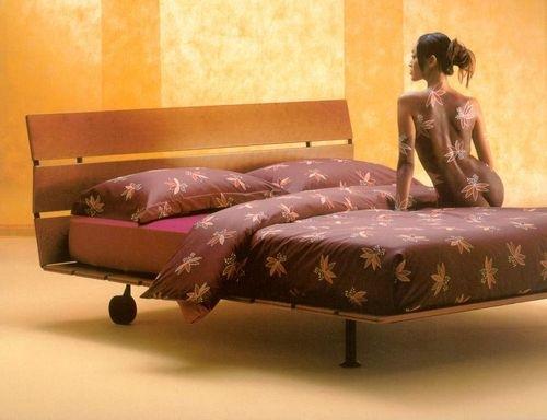 sexy-bedroom-in-details-color2