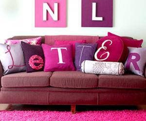 creative-monograms-pillow1