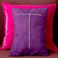 creative-monograms-pillow7
