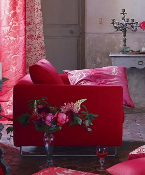 fashion-interior-2010trend3-barbie-house1
