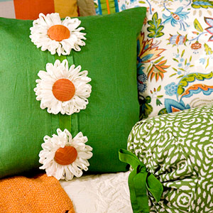 creative-pillows-ad-flowers1