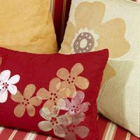 creative-pillows-ad-flowers11
