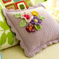creative-pillows-ad-flowers5