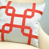 creative-pillows-ad-ribbon-n-trim2
