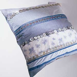 creative-pillows-glam1