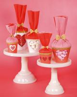 valentine-decor-candy-n-flowers3