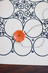 DIY-collage-of-ribbon-n-buttons5