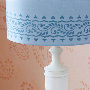 lampshade-upgrade-stenciling1