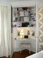 mini-home-office-in-closet3