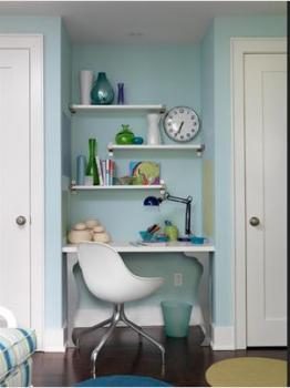 mini-home-office-nook-between-wall1
