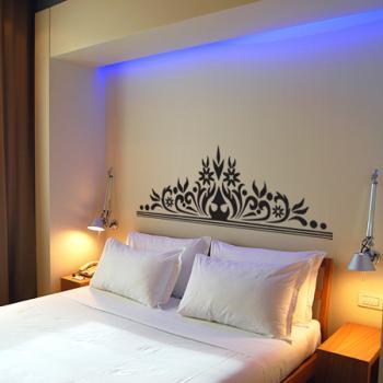 black-stickers-decor-bedroom1