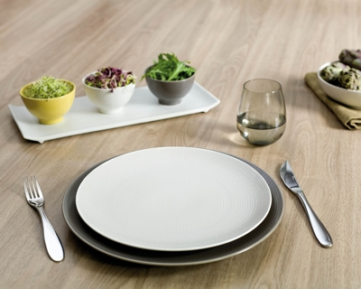 spring-table-setting-trend15-white-n-grey