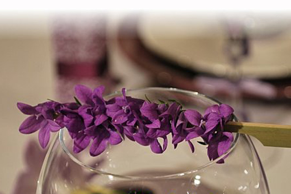 table-set-wild-fresia13