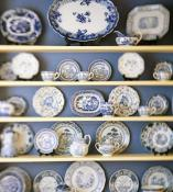 decorative-plate-on-wall-display6