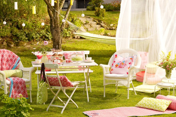french-summer-outdoor-table-set1