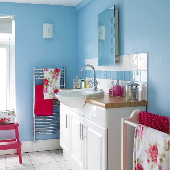 colorful-combo-bathroom