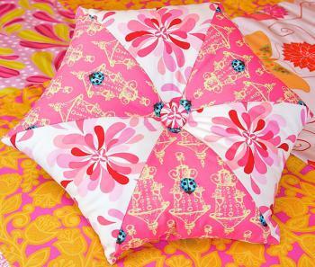 DIY-3-pretty-pillows1
