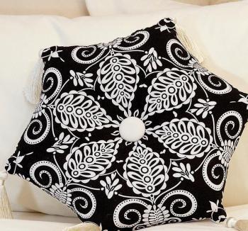 DIY-3-pretty-pillows3