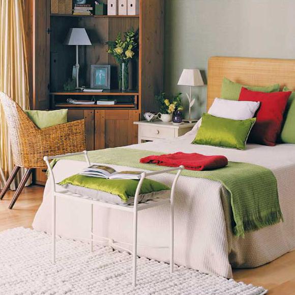 home-office-in-bedroom