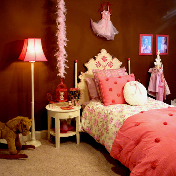 pink-dream-bedroom-for-little-princess
