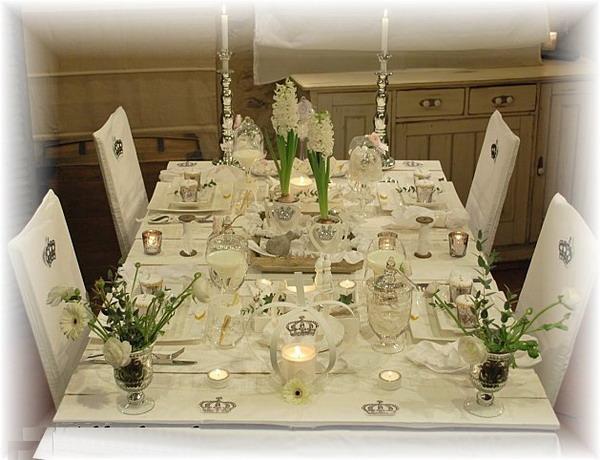 royal-retro-table-set
