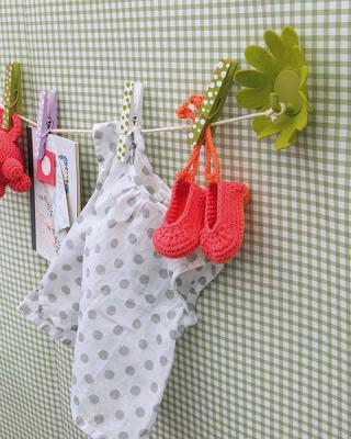 diy-fun-hooks-for-baby-clothes1