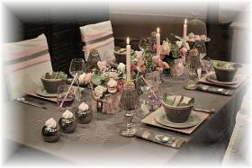 retro-rose-zephyr-and-grey-table-set1a