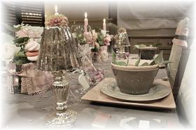 retro-rose-zephyr-and-grey-table-set4