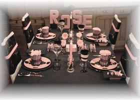 french-chic-table-set-in-rose-and-black20