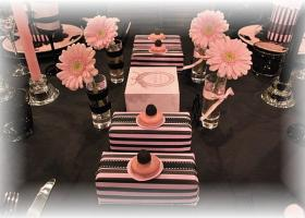 french-chic-table-set-in-rose-and-black8
