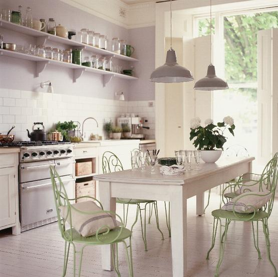 french-kitchen-in-vintage-inspiration