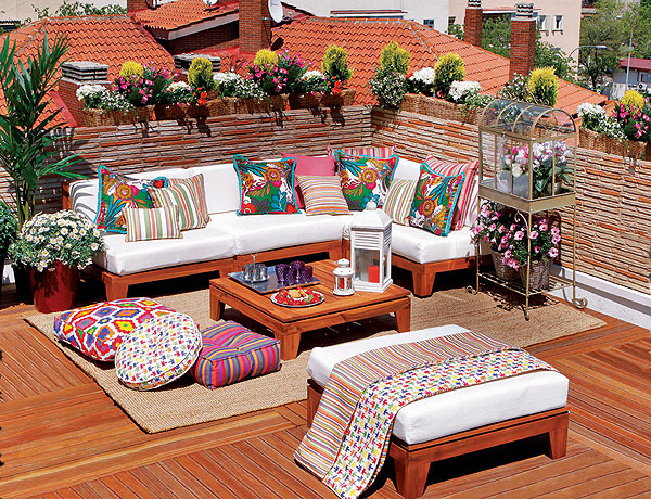 small-terrace-and-large-balcony-decor-ideas