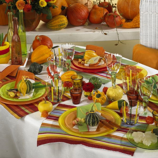 fall-table-setting-in-harvest-theme