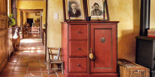 french-retro-homes-in-warm-palettes1