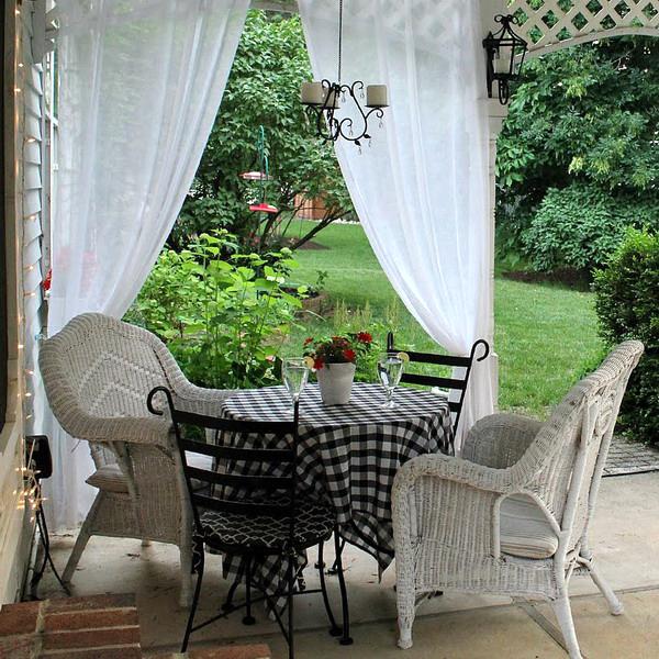 romantic-porch-show-tour