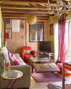 bohemian-style-spanish-homes1-1