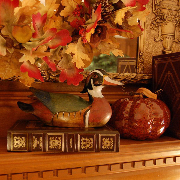 fireplace-mantel-fall-decorating