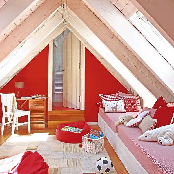kidsroom-in-attic