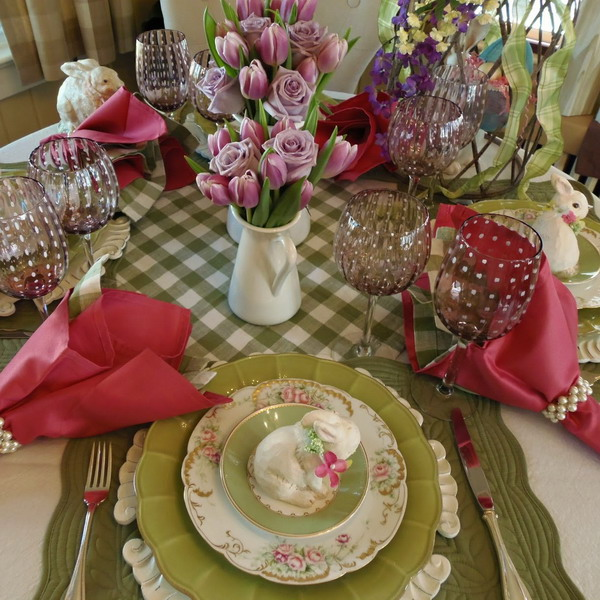 easter-colorful-tables