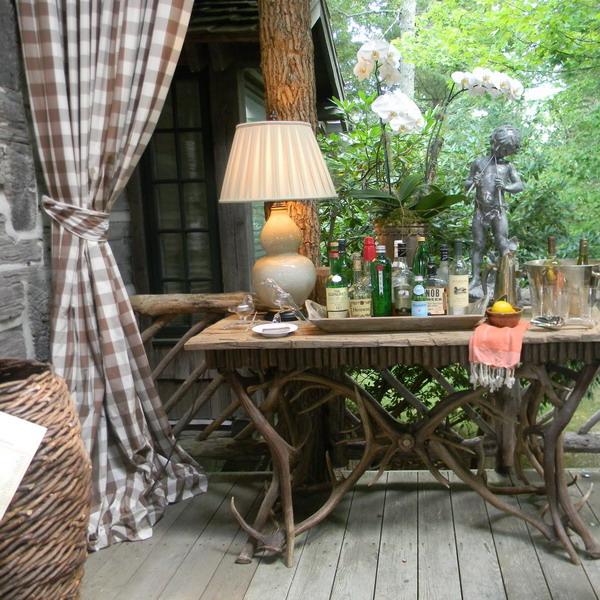 rustic-style-porch-show-tour