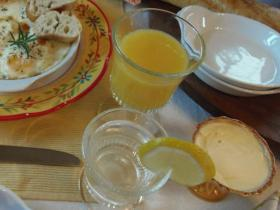 breakfast-in-provence-table-setting18