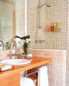 small-bathroom-planning10-1