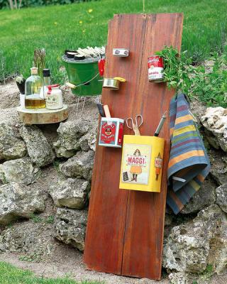 diy-wall-stand-organizers-with-pockets3