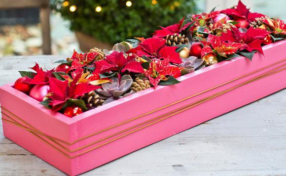 diy-christmas-poinsettia-centerpiece1