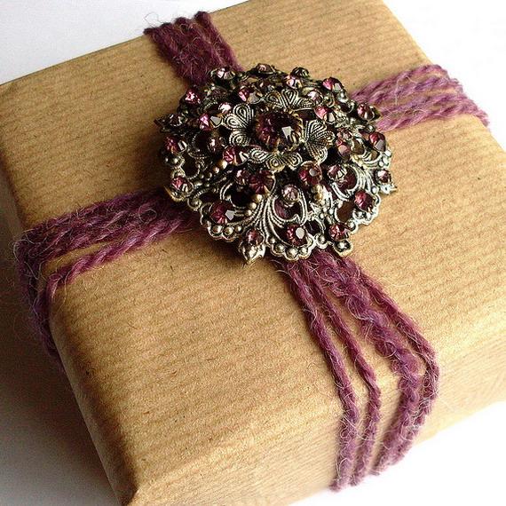 vintage-christmas-gift-wrapping