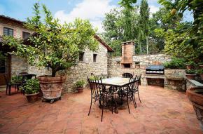 tuscany-traditional-luxury-villa2